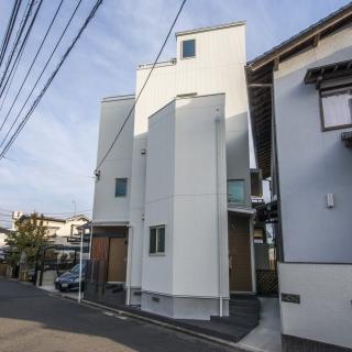 完全分離型の3階建2世帯住宅  南区東雲本町 H様邸