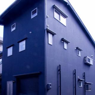 シンプルモダンな自然素材の家
