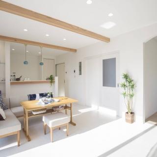 無垢素材の質感がやさしく包む家