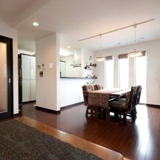 モダンデザインと収納にこだわった二世帯住宅
