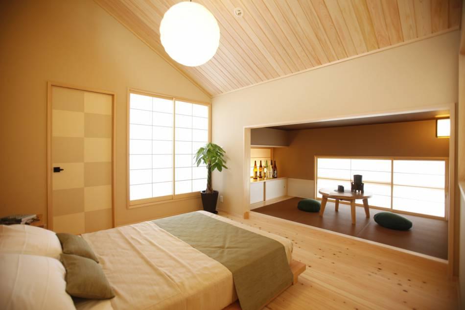 木の香りに包まれた寝室