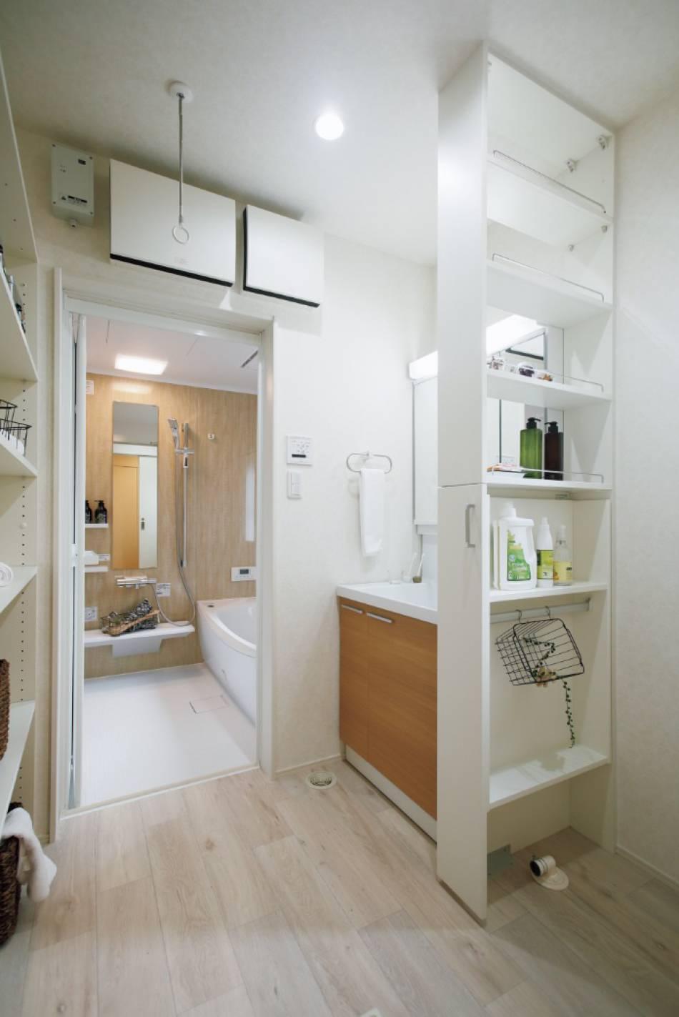 収納つき洗面スペース