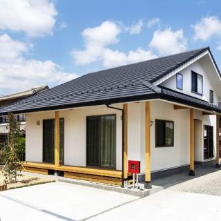 程よく和を感じる大屋根の家