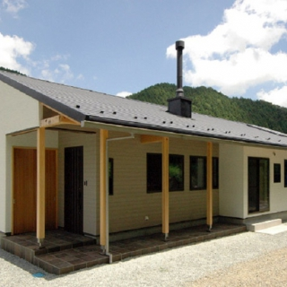 【広島県庄原市】 薪ストーブのある平屋の家