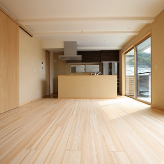 自然素材がふんだんにある ゼロエネルギー住宅