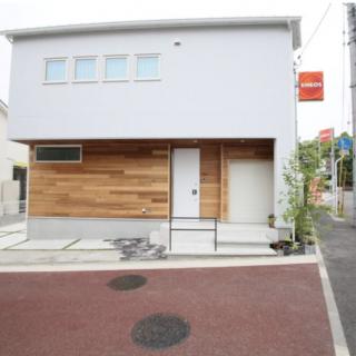 サイクルガレージのある家
