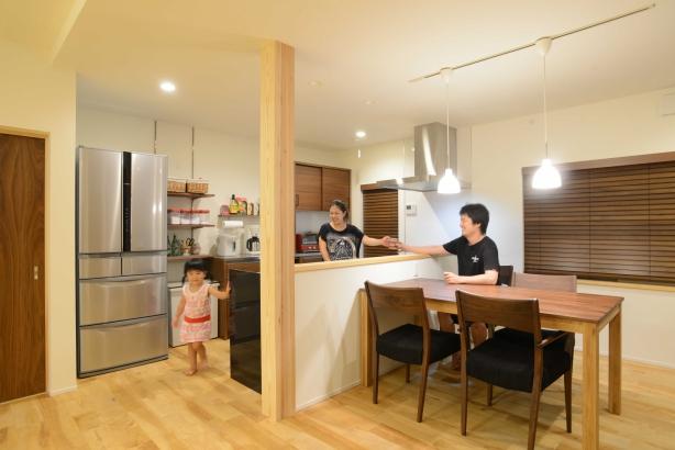 【ひろしまの家】 高橋工務店 注文住宅 新築 自然素材  LDK
