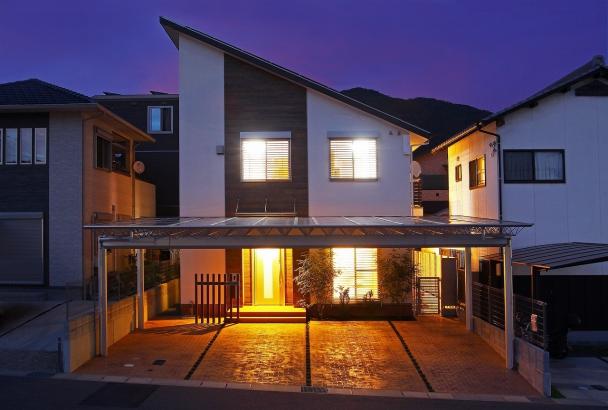 閑静な住宅街に際立つ「パッシブデザインハウス」