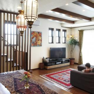 憧れの「アジアンテイスト」30畳の大空間が家族を包む家