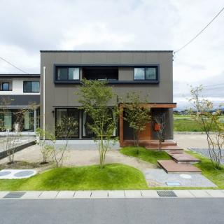 [東広島市 八本松町] 家族が集まる広々LDKの家