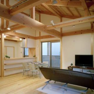 子育て世代の広がり空間の家
