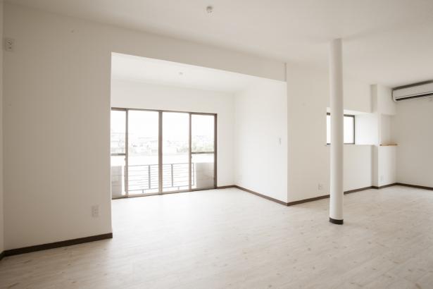 和室の続き間をLDKとして一体化♪白を基調として、明るさと清潔感も演出!!