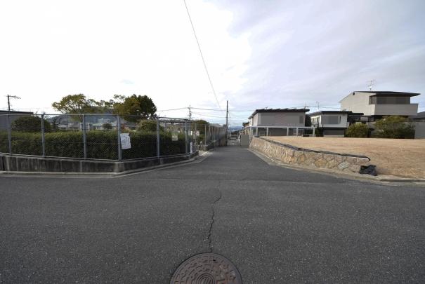 西側は「洋光台第3公園」