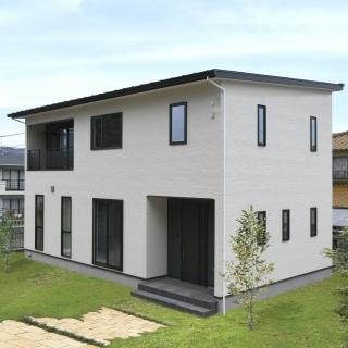 #0102 ゆとりある設計で収納多く暮らしやすい家
