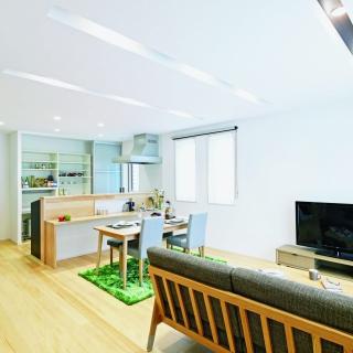 #0113 白と黒のコントラストが美しい子育てしやすい家
