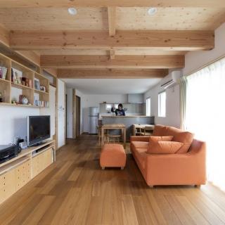 短い動線で暮らしやすく、住まいの機能性を追及した平屋