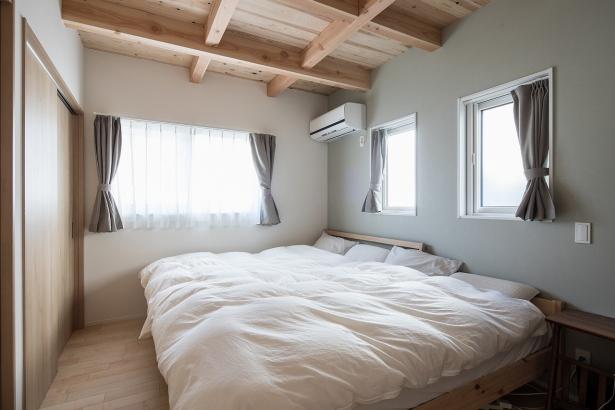 木の香りが優しい寝室