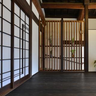 築100年の伝統的日本家屋を快適で素敵な和モダン空間に