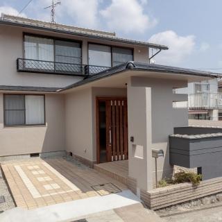 二世帯で住むにも十分なスペース6DK+S(書斎・納戸含む)の家。 吹き抜けから光差し込む、明るい間取り!! 家づくりをご検討されている方はぜひ、この機会にご見学ください。