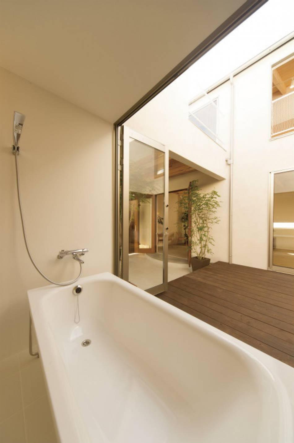 開放的なバスルーム