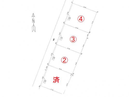 残り3区画 JR矢賀駅徒歩4分 イオンモール広島府中も近くにあります。 さらには小学校が近く、 買い物・通学に便利なエリアです。 全4区画の土地。