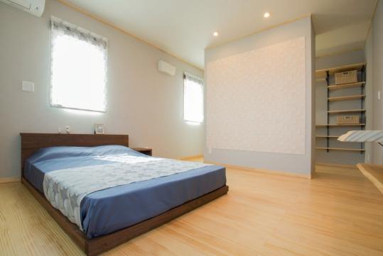 寝室にはエコカラットを装備し、湿度を調整してくれます。またウォークスルークローゼットにして、お部屋を広く感じます。
