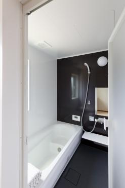 バスルームも広々♪ シックなデザインです☆