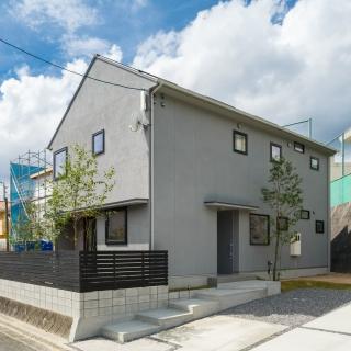 [安佐南区 毘沙門台東] ほどよい距離が心地いい 二世帯が暮らすお家