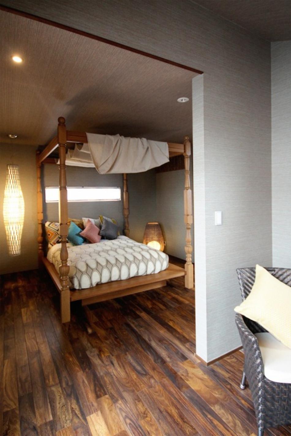 アジアのリゾートホテルのような寝室